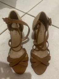 Sandália marrom