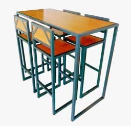 Jogo de mesa bistrô com 4 banquetas em madeira maciça