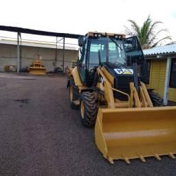 Retroescavadeira Caterpillar 416 E - R$ 130.000,00