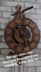 Relógio de parede decotivo não funciona em madeira