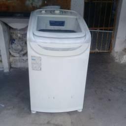 Título do anúncio: Vende-se uma máquina de lavar Electrolux LTD11
