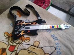 Play2 guitarra novinha vai com 3 jogos Guitar Hero.