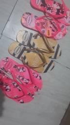 Chinelos decorados em pérolas apartir de 50,00