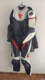 Título do anúncio: Macacão motociclista Dainese