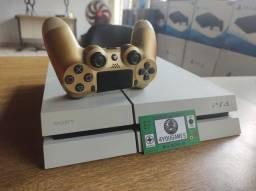 Título do anúncio: Playstation 4 fat branco 500gb + controle + jogo brinde.