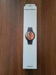 Título do anúncio: Galaxy watch 4 bt novo