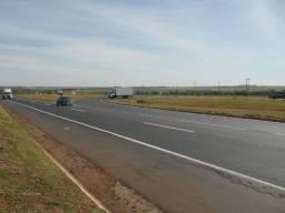 Excelente área de 20000m² às margens da BR 365, Uberlândia MG.