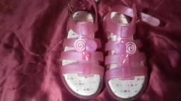 Par de sandálias semi-nova