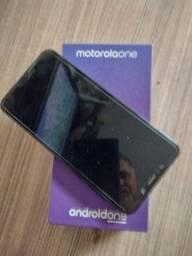 Título do anúncio: Motorola one Black