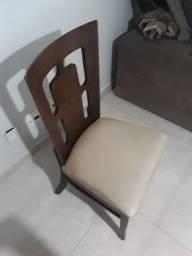 Título do anúncio: 4 Cadeiras de madeira usadas.