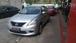 Nissan Versa sv completo novinho - 2013