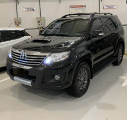 Hilux SW4 5 lugares - 2014