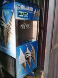 Vendo maquina de sorvete ano 2016 e contenier