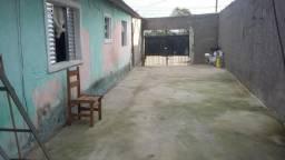 Casa com 2 dorm e pequeno salão comercial no Centro do Bairro Caputera - 20 Min. de Embu