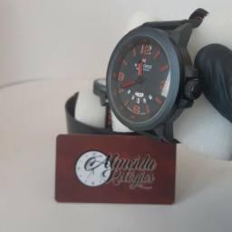 Novo - Relógio Masculino Naviforce Preto com Vermelho