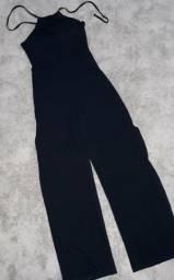 Macacao frente unica com racha na perna