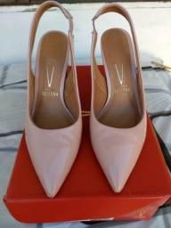 Vendo sapato feminino Vizzano, número 36, o salto mede 8cm. Em perfeitas condições