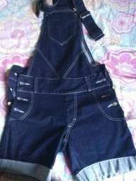 Macacão jeans bermuda
