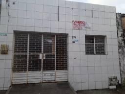 Aluga-se ou vende-se casa na Levada 800.00 aluguei 200.000 venda