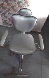 Cadeira de cabeleireiro 300,00