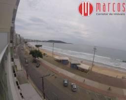 Amplo apartamento 1º andar, 3 quartos de frente para o mar na Praia do Morro.