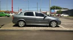 Astra sedan advantage 2.0 16v - 2001