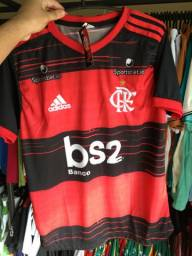Camisas de times (Flamengo, Vasco, Sampaio)