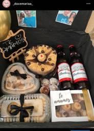 Cestas Personalizadas, café da manhã, cestas de chocolates, bolos, festa na caixa