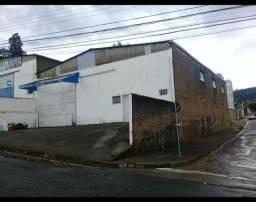 ALUGO BARRACÃO 280 m2, rua José Bernardo n° 305, poços de caldas;