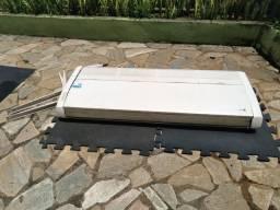 Vendo aparelho ar condicionado LG INVERTER 48.000BTU