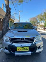 Título do anúncio: Toyota Hilux 4x4 3.0 Diesel 2015 Mecânica
