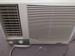 Ar condicionado 7,500 BTUs gelando muito de 220 volts