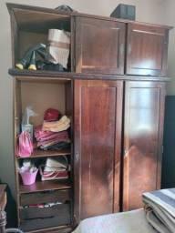 Vendo Guarda roupa antigo / Embuia