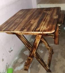 Jogo de mesa e 4 cadeiras