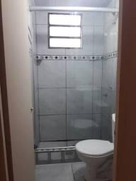Aluga-se apto 2 dormitórios R$ 650reais direto com o proprietário