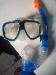 Snorkel e máscara de mergulho