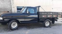 Título do anúncio: Vendo f1000 cabine simples  ano 1982 diesel