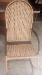 Título do anúncio: Uma cadeira balança cubertura nova