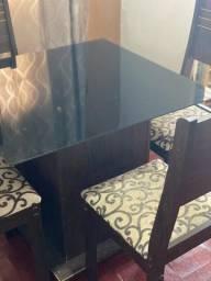 Título do anúncio: Vendo mesa 4 cadeiras