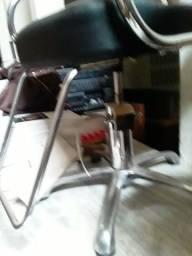 Título do anúncio: Cadeira 3 x s/ juros cabeleireira/o hidráulica giratorio