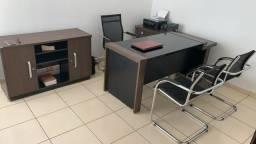 Título do anúncio: Mesa de escritório cadeiras armário