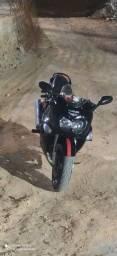 Título do anúncio: vendo uma moto GSXF 750