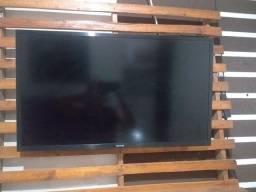 Título do anúncio: Vendo uma tv smart 32
