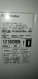 Título do anúncio: Refrigerador Frost Free Eletrolux - Leia o Anúncio
