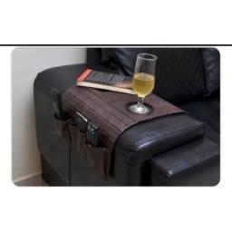 Esteira porta copos e controle sofá em courino