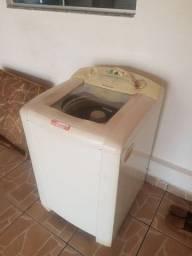 Título do anúncio: Maquina de lavar roupas Electrolux 8kg com defeito