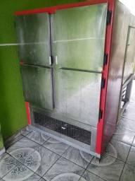 Título do anúncio: Vendo ou troco freezer e batedeira Industrial