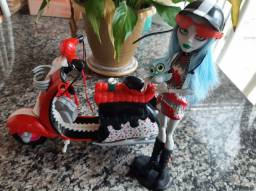 Boneca Monster High Ghoulia Yelps