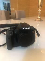 Título do anúncio: Camera Canon EOS Rebel T5i