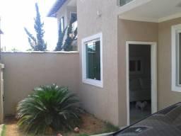 Casa 03qts, 02vgs ha 100mts Av. Guarapari B.Santa Amelia!